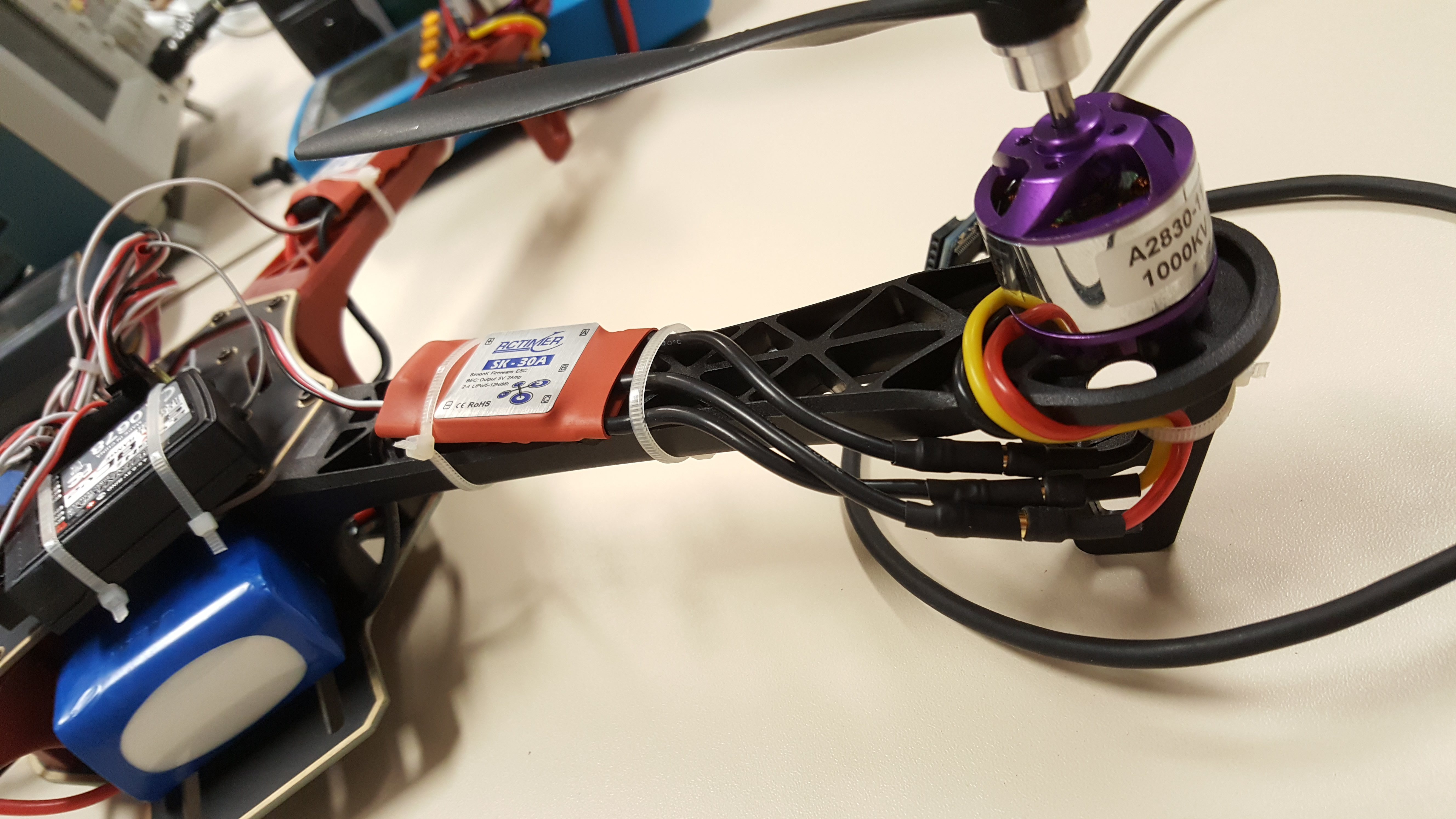 Lisha Software Hardware Integration Lab Multiwii Quadcopters Guide Of Beginners To Connecting Your Rc Plane Electronic Parts There We See The Motors 11 And 3 Respectively Note That Black Yellow Connections Are Reversed From One Another Connection Motor 10